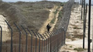 Izrael új kerítést épít Gázánál