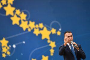 Az olasz Öt Csillag Mozgalom vezetője találkozott a francia sárgamellényesek képviselőivel