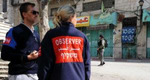 Elhagyják Hebront a gyerekpofozó nemzetközi megfigyelők