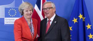 Nem tudni, miről tárgyal Strasbourgban Theresa May