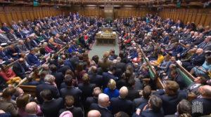 Jóváhagyta a londoni alsóház a Brexit halasztását, de nincs alternatív javaslat