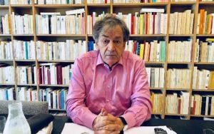 Fél nyilvánosan mutatkozni Párizs utcáin a világhírű zsidó filozófus