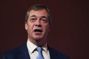 Brit választások: Farage választási szövetséget ajánlott Johnsonnak