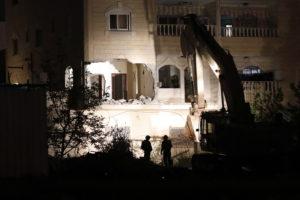 Lerombolták a 19 éves izraeli lány gyilkosának otthonát