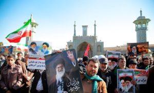 Elítéltek Teheránban egy, a vád szerint briteknek kémkedő iráni nőt
