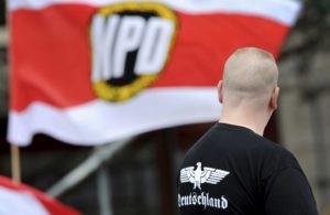Zöld út a neonáci propagandának
