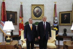 Trump: Orbán Viktor jó munkát végez