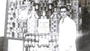 Segítek, mert Cohen vagyok – 100 éve kezdte a Tesco alapítója