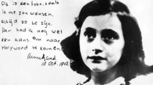 Anne Frank 90: Virtuális kiállítás, vadgesztenyefa, kiterjesztett valóság, maori kiadás