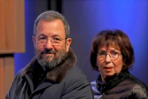Közvélemény-kutatás: Ehud Barak hat helyet is szerezhet