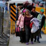 Tömegek menekülnek a kommunizmus elől