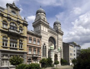 Késekkel akart egy férfi zsinagógába lépni Belgiumban