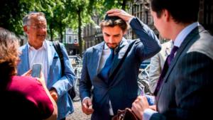 Kipában tüntetett az antiszemitizmus ellen a holland populisták új bajnoka