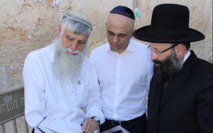Történelmi lépésre szánta el magát a brit belügyminiszter Izraelben