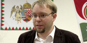 A Jobbik nem mondott le az antiszemita Kulcsárról, megyei listán indítja