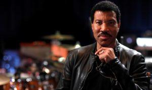 Lionel Richie a BDS nyomása ellenére is fellép Izraelben