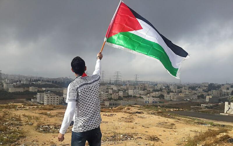 A palesztinok 64 százaléka erőszakkal válaszolna Trump béketervére