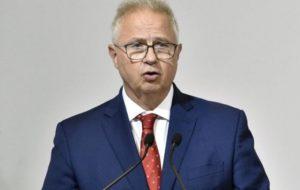 Az EP jogi bizottsága összeférhetetlenséget állapított meg Trócsányi László biztosi kinevezésével kapcsolatban