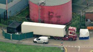 39 holttest: embercsempész vezette a halálkamiont