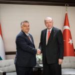 Orbán Erdogannal tárgyalt, majd elrendelte a határok megerősítését