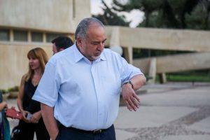 Liberman szerint Netanjahu elszabotálja az egységkormányt