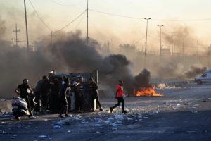 Iraki helyzet: a NATO részben kivonul, a magyarok egyelőre maradnak