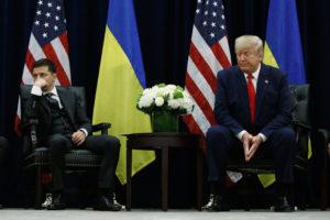 Trump már Zelenszkij beiktatása előtt nyomást gyakorolt az ukrán elnökre?