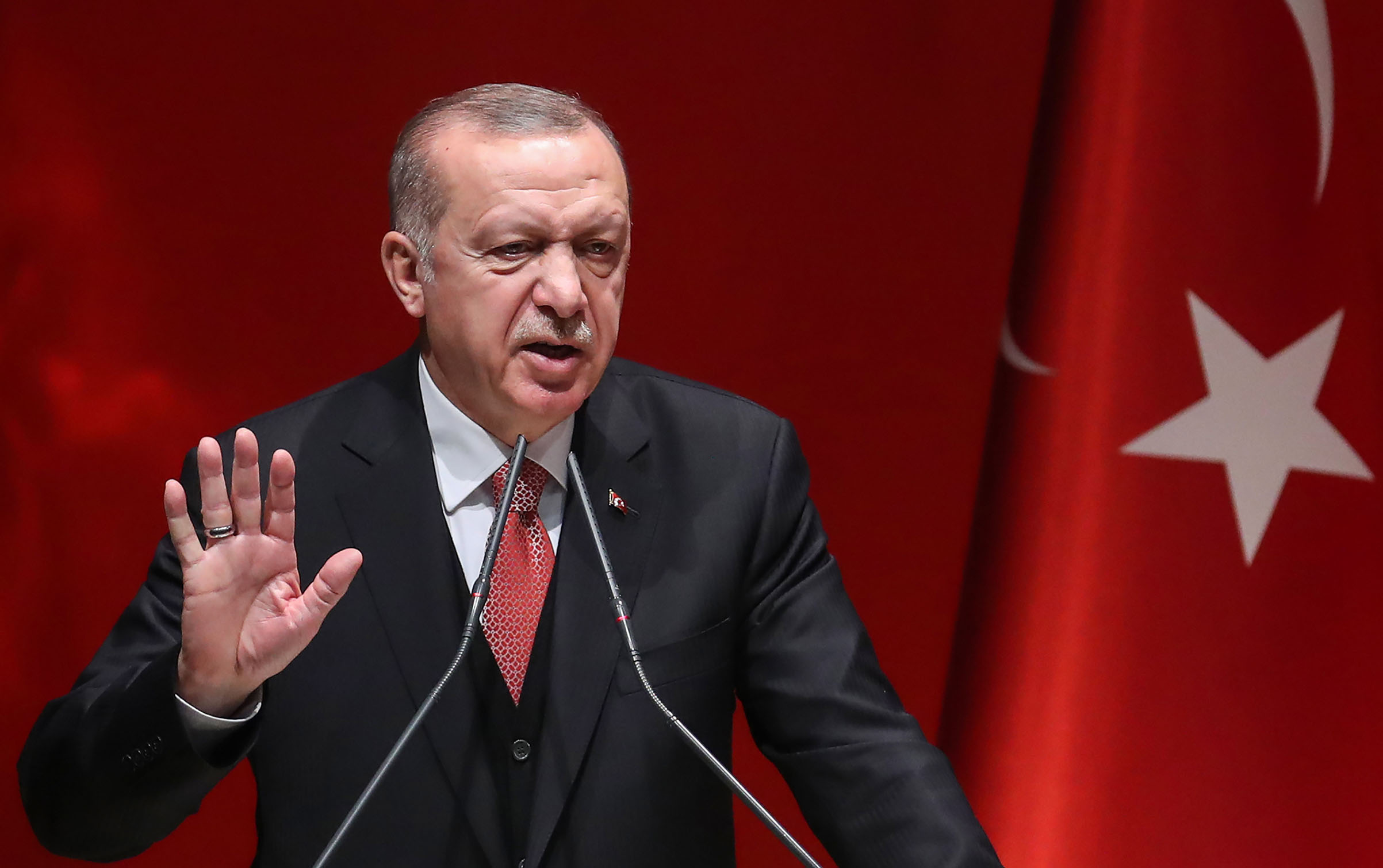 Erdogan 3,6 millió szíriai menekült Europába engedésével zsarolja az EU-t