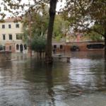 Velence történelmi gettóját is elérte az ár