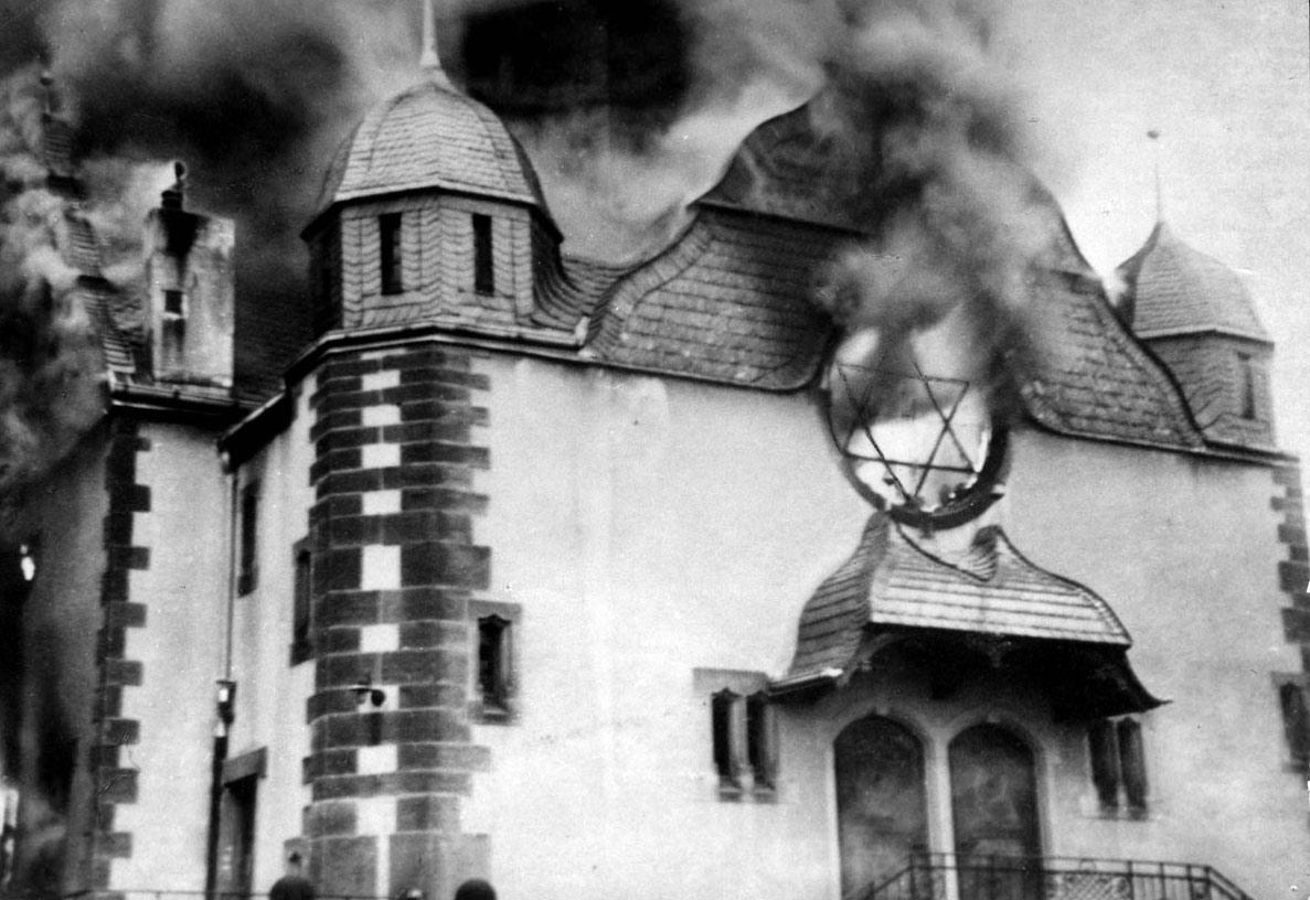 Sörpuccs, pogrom, ledőlt fal: egy különleges nap évfordulója