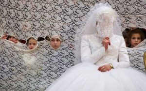 Palesztin Hatóság: betiltották a gyermekházasságot, de maradhatnak kiskapuk