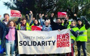 Balos brit zsidó fiatalok mozgósítanak Johnson ellen