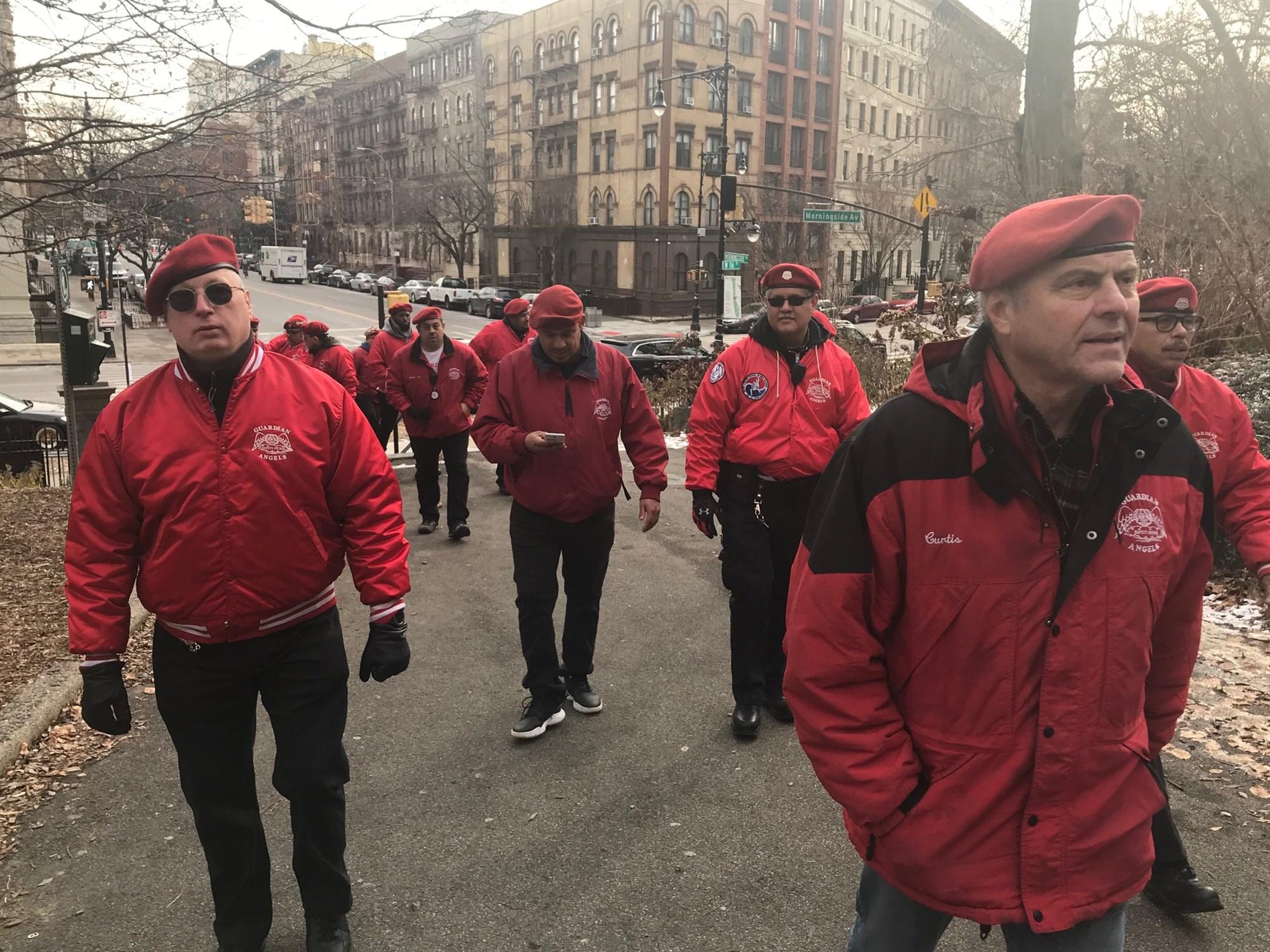 Amerika híres piros sapkásai fogják védeni a New Yorki zsidóságot