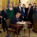 """Donald Trump a Fehér Házban tartott hanukai ünnepségen: """"Mindig ünnepelni fogom a zsidó népet!"""""""