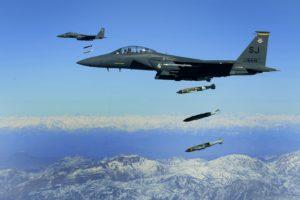 Válaszlépéssel fenyeget az amerikai légicsapásban lebombázott iraki milícia vezetője