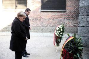 """Merkel-látogatás Auschwitzban: """"Mély szégyenérzet fog el"""""""