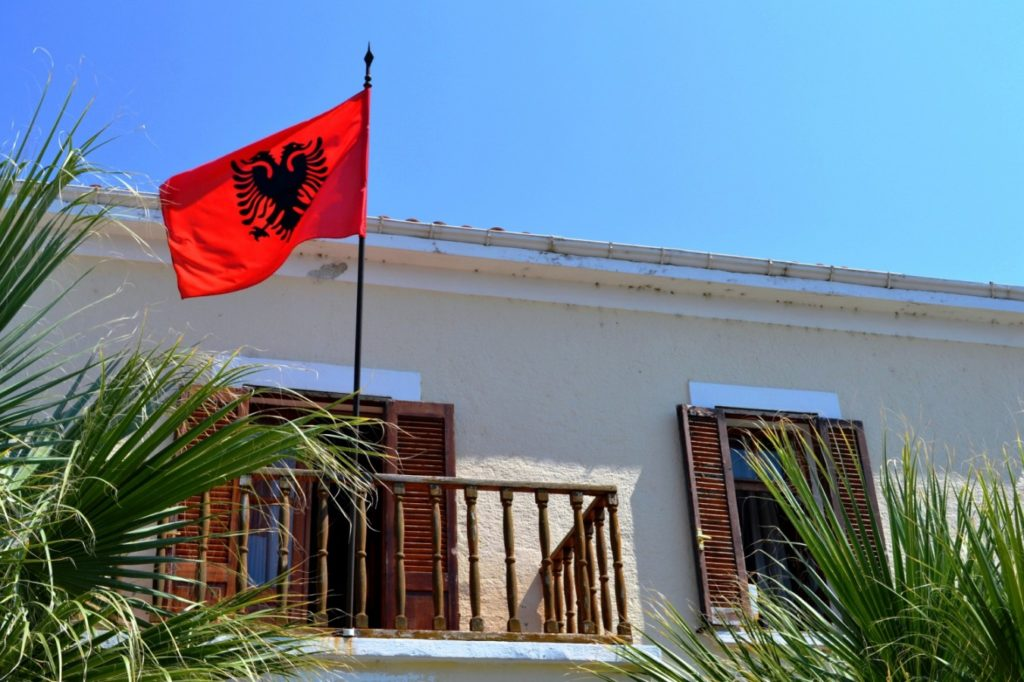Bezzeg Albánia! – Heti Grün