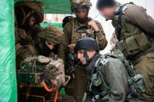 """Izrael """"terroralagút-elhárító"""" rendszert telepít libanoni határon"""
