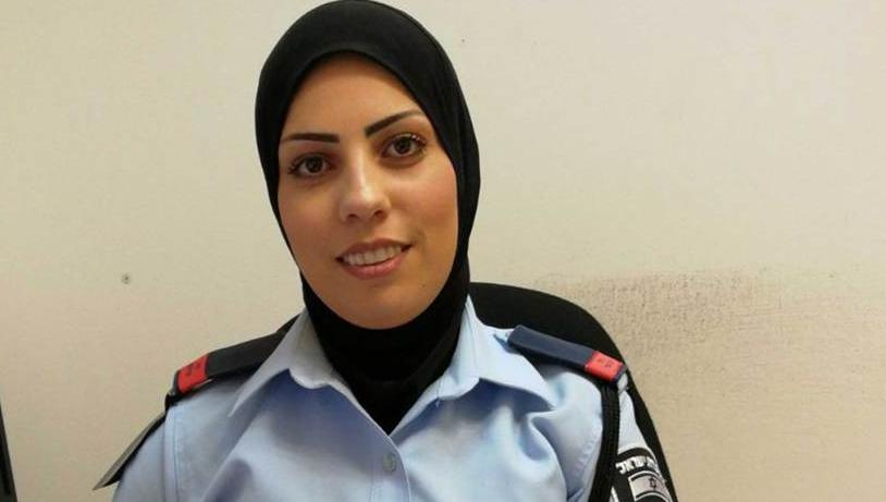 Nem fél a többi muszlim kritikájától Izrael első hidzsábos női rendőrtisztje