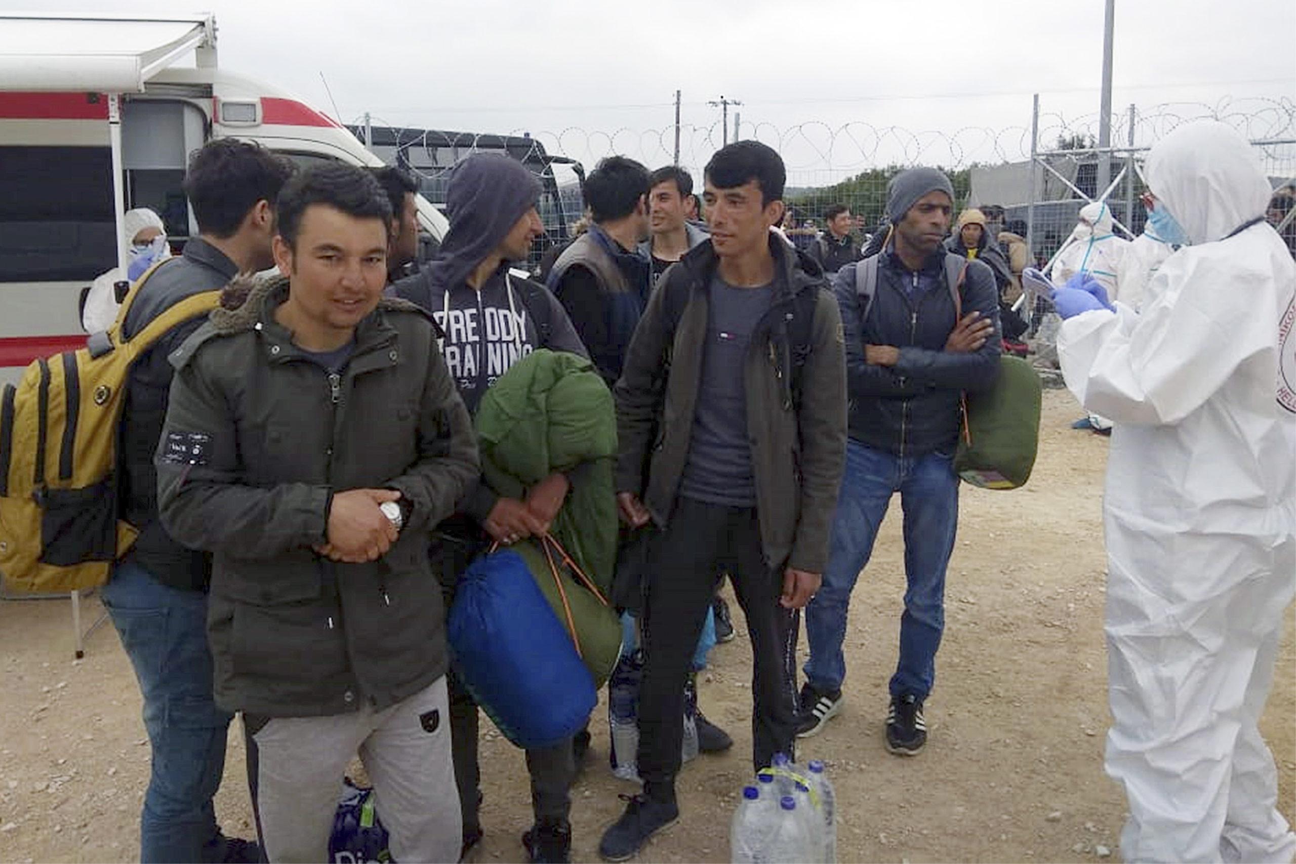A dánok elkezdték hazatoloncolni a szír menekülteket