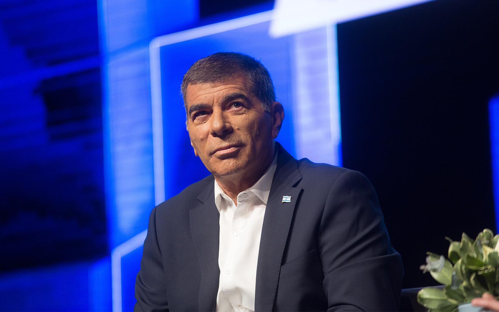 Gabi Askenazi, külügyminiszter és szürke eminenciás