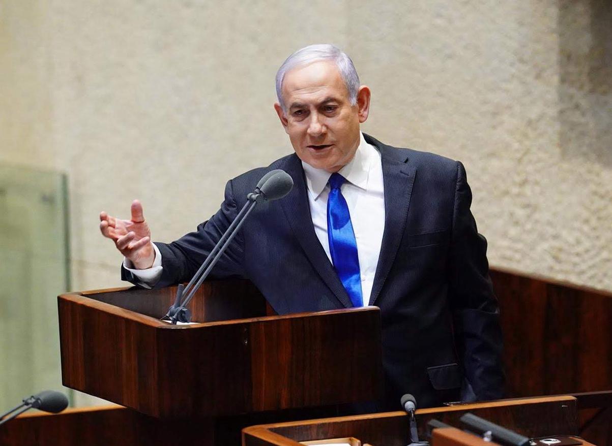 Járványkezelésen csapott össze Netanjahu és Bennett a Knesszetben