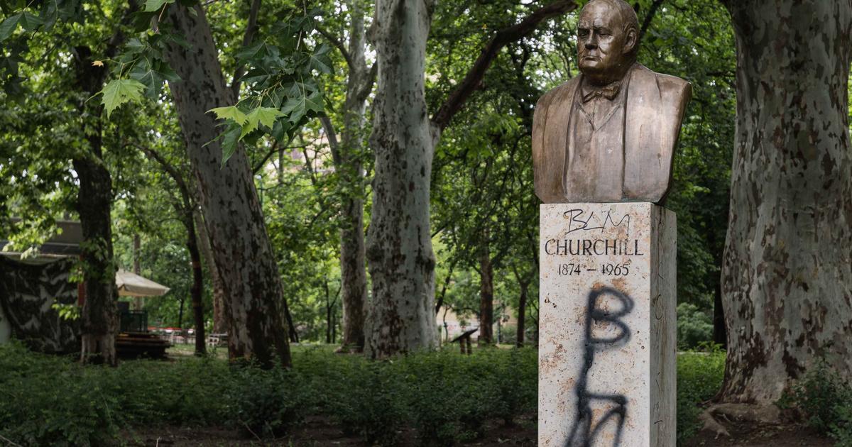 Budapesten is megrongálták Churchill szobrát