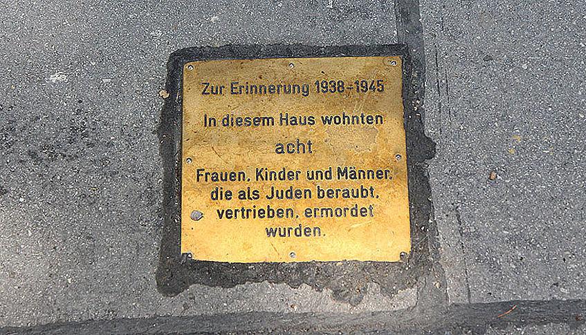 Botlatókövek Ausztriában: megmutatni a múlt bűneit