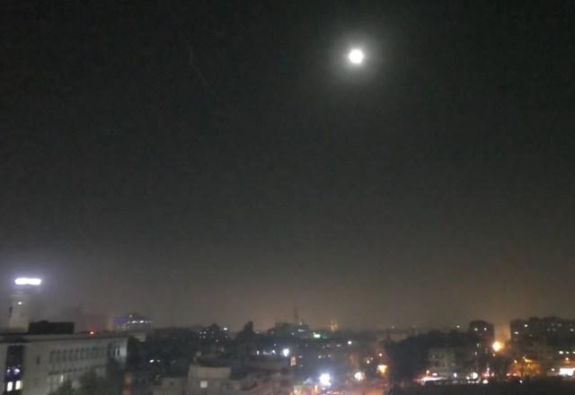 Izraeli légicsapás a szíriai rezsim állásaira