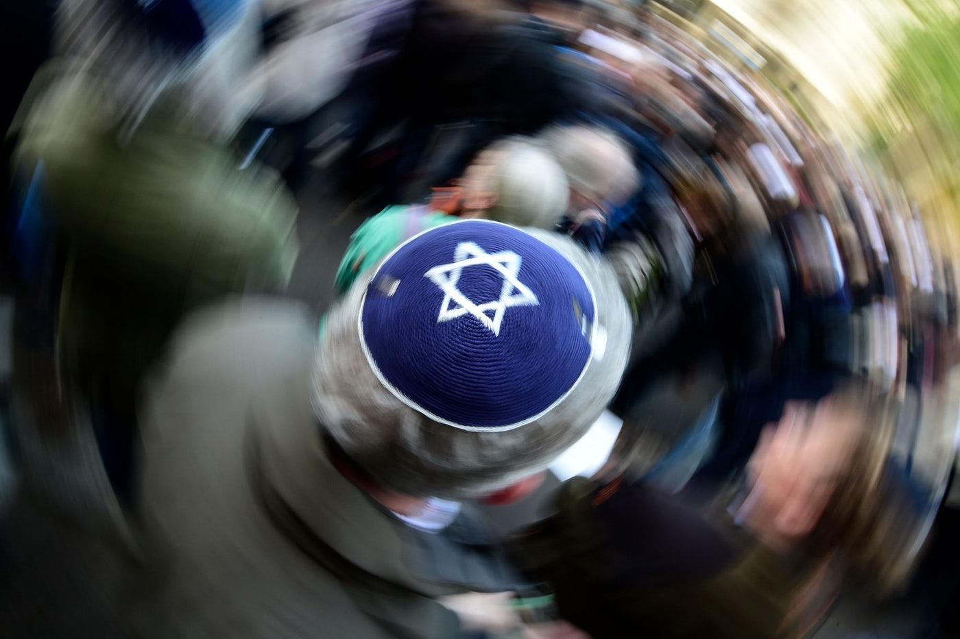 Janus-arcú antiszemitizmustól a peches egzisztenciákig — Heti Grün