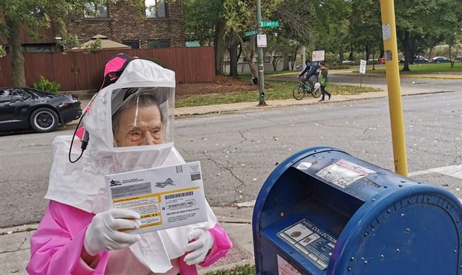 Szkafanderes zsidó néni inspirálja az amerikai szavazókat