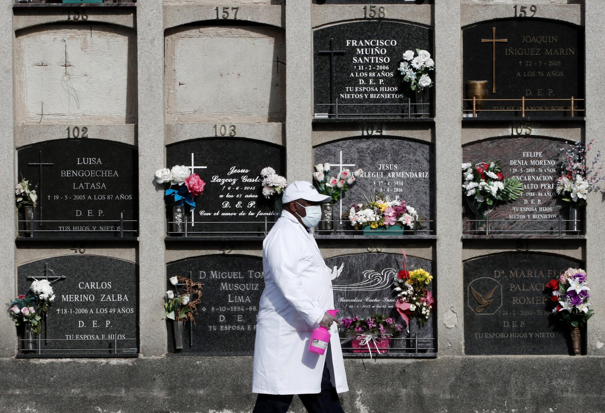 Sztrájkolnak a spanyol sírásók – vírushelyzet Európában