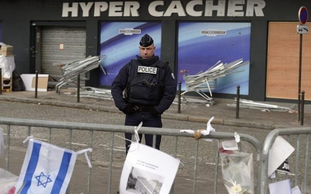 Elítélték a 2015-ös párizsi merényletek további négy vádlottját