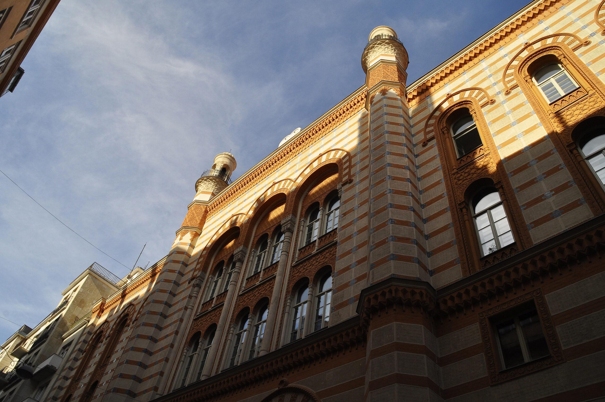 Továbbra is zajlik a nyomozás a Rumbach zsinagóga felújítása körüli csalás gyanúja miatt
